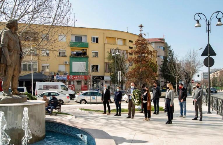 Homazhe te shtatorja e Adem Jasharit në Tiranë